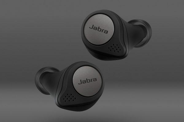 Jabra-Titan-Pack-FOP-Titanium-Black-copy